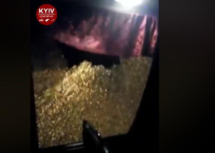 УКиєві обстріляли маршрутку (відео)