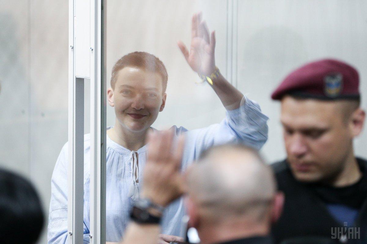 Савченко вимагає стягнути за моральну шкоду одну гривню з прокурора, який порівнював її з російськими військовими / фото УНІАН
