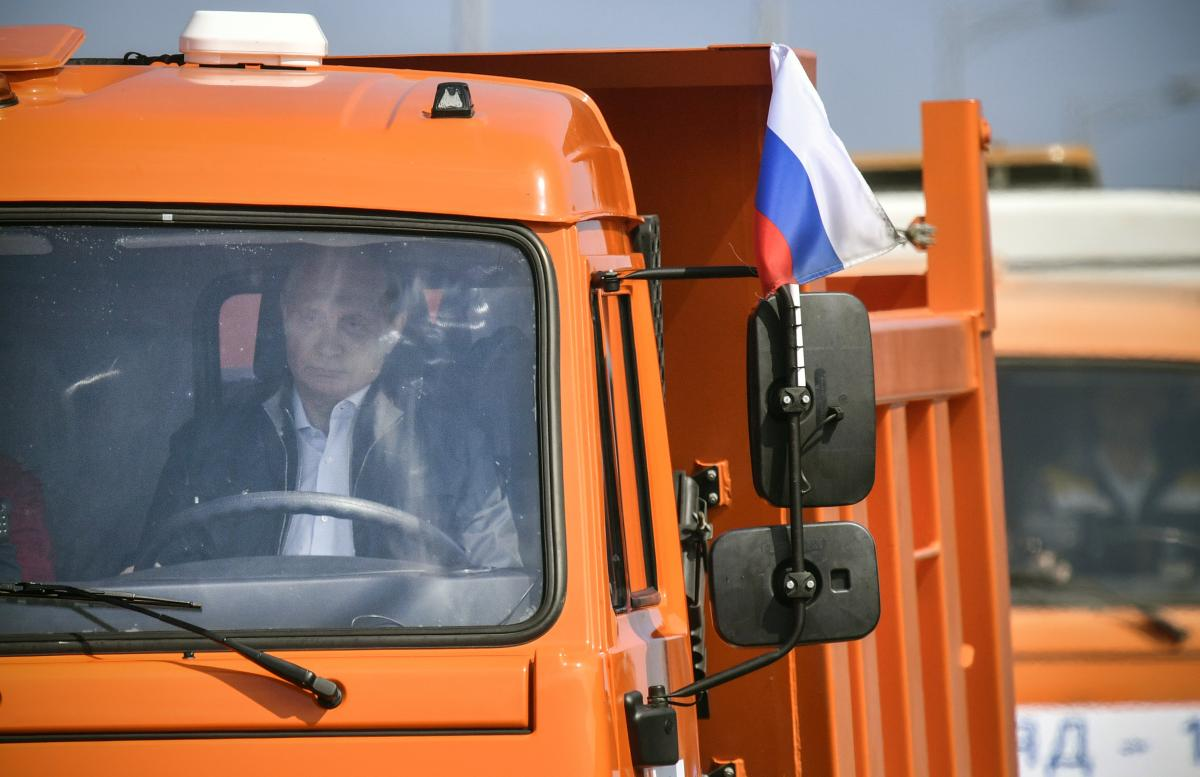 Эксперт напомнил, что испытывал мост лично президент Владимир Путин / REUTERS