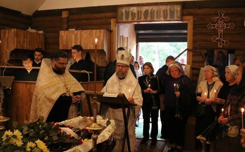 Митрополит Августин відспівував легендарного дослідника Антарктики / news.church.ua