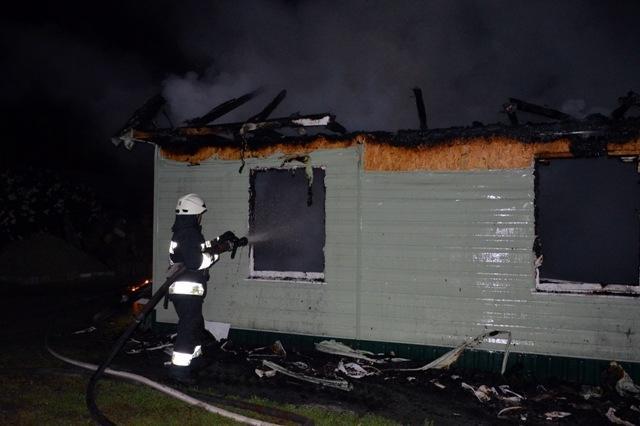 У Дніпрі горіла будівля на території церкви / vgolos.com.ua