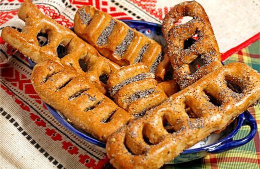 """НаВознесение принято накрывать стол иготовить символическую выпечку— хлеб вформе """"лесенки"""" / фото angelvalentina.livejournal.com"""