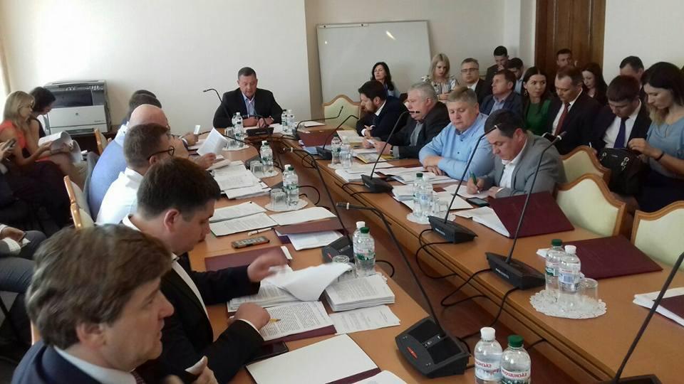 Дубневич: Теперь украинская железная дорога и отрасль внутреннего водного транспорта должны получить свои базовые законы / Фото facebook.com/Dubnevych