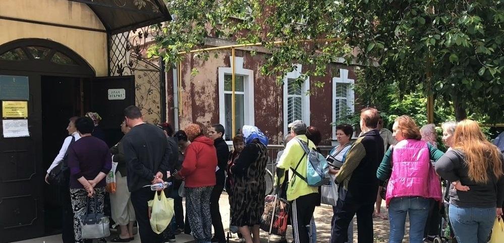 Понад 170 нужденних одеситів і вимушених переселенців отримали гуманітарну допомогу від Одеської єпархії УПЦ / eparhiya.od.ua