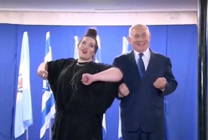 """Нетаньяху станцевал """"куриный танец"""" / Скриншот"""