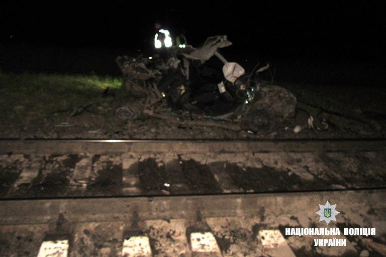 Легковик зазнав сильних механічних пошкоджень / фото if.npu.gov.ua