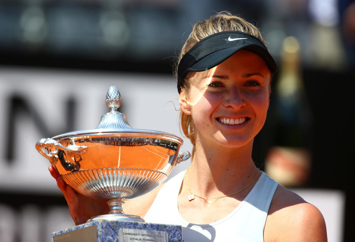 Вчера Элина Свитолина завоевала трофей на престижном турнире в Риме /REUTERS