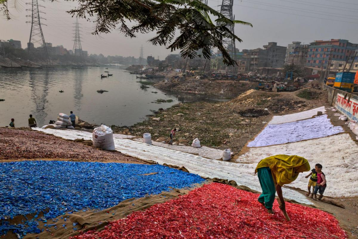Менее 5% отходов в Украине проходит переработку / фото nationalgeographic.com