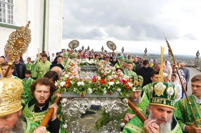 В Почаевской лавре тысячи паломников молились в день памяти преподобного Иова / pochaev.org.ua