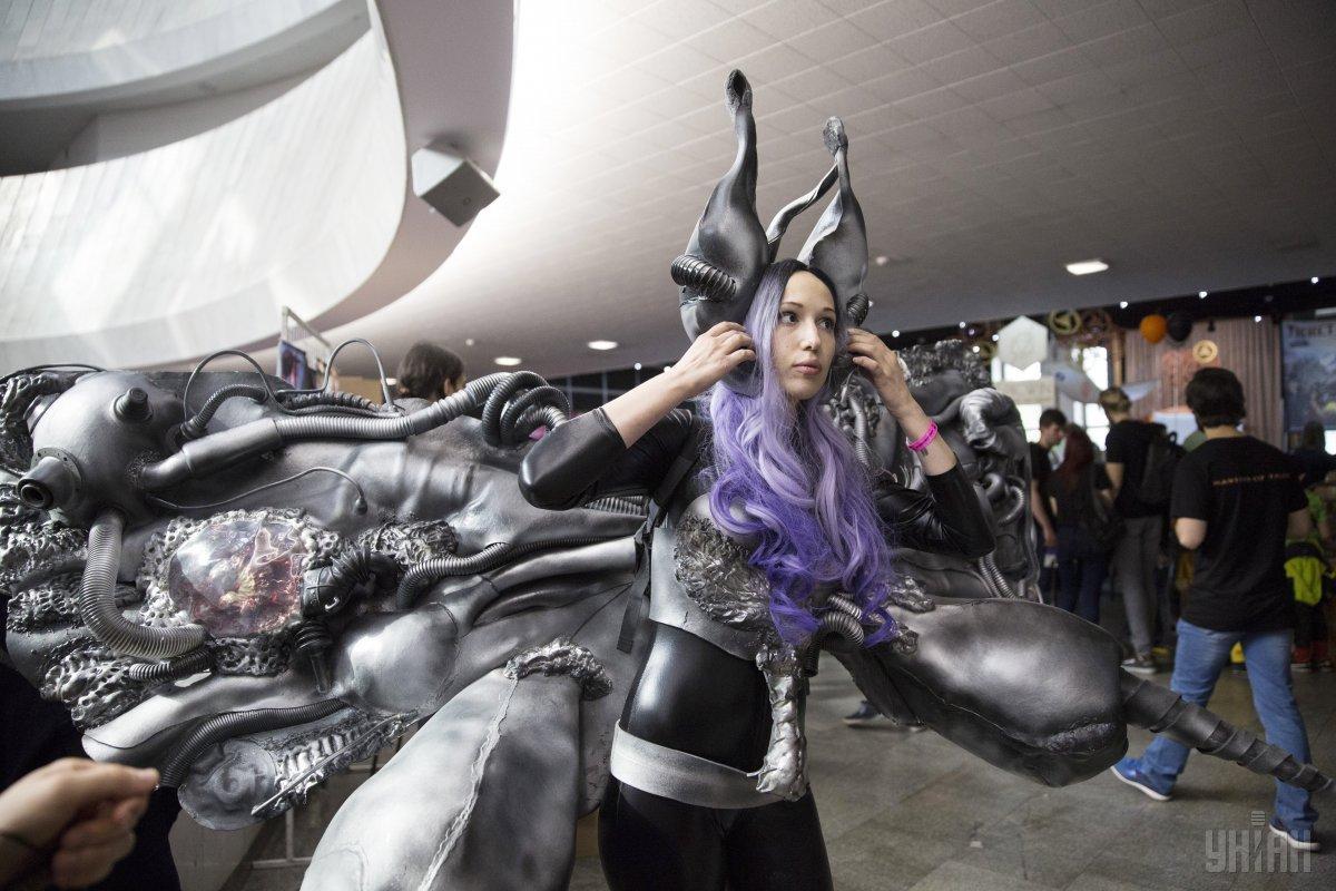 На київському Comic Con гості змагаються в майстерності косплея / Фото УНІАН