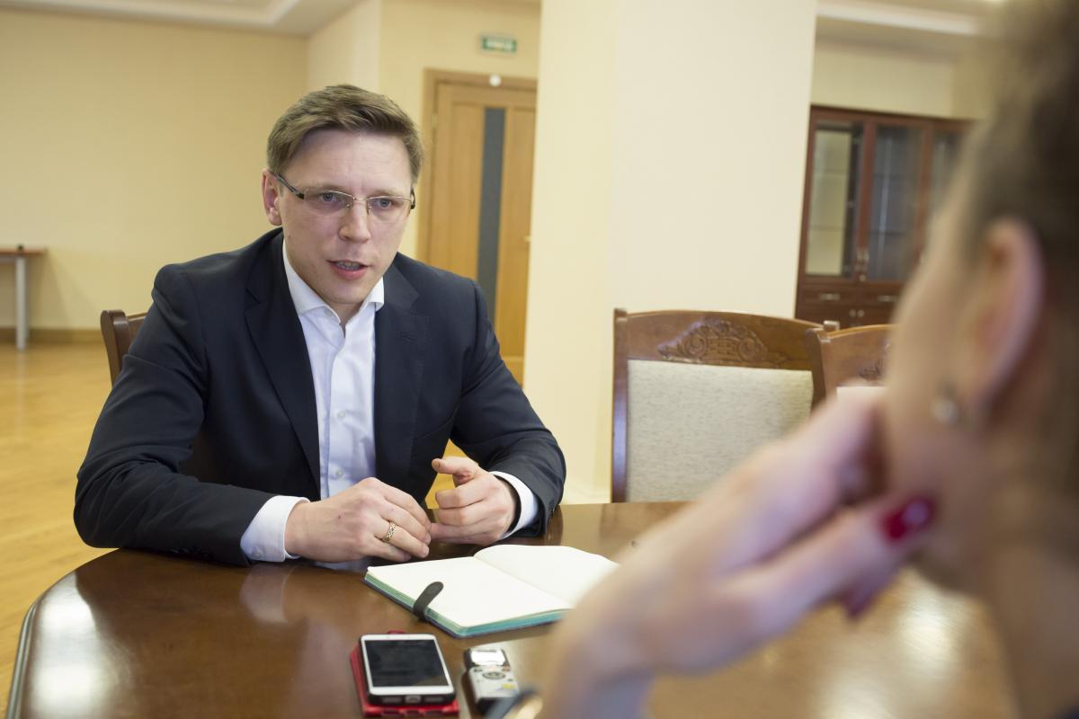 На думку Кузьо однією з найскладніших сфер в єкологічному законодавстві України є промислове забруднення / фото УНІАН