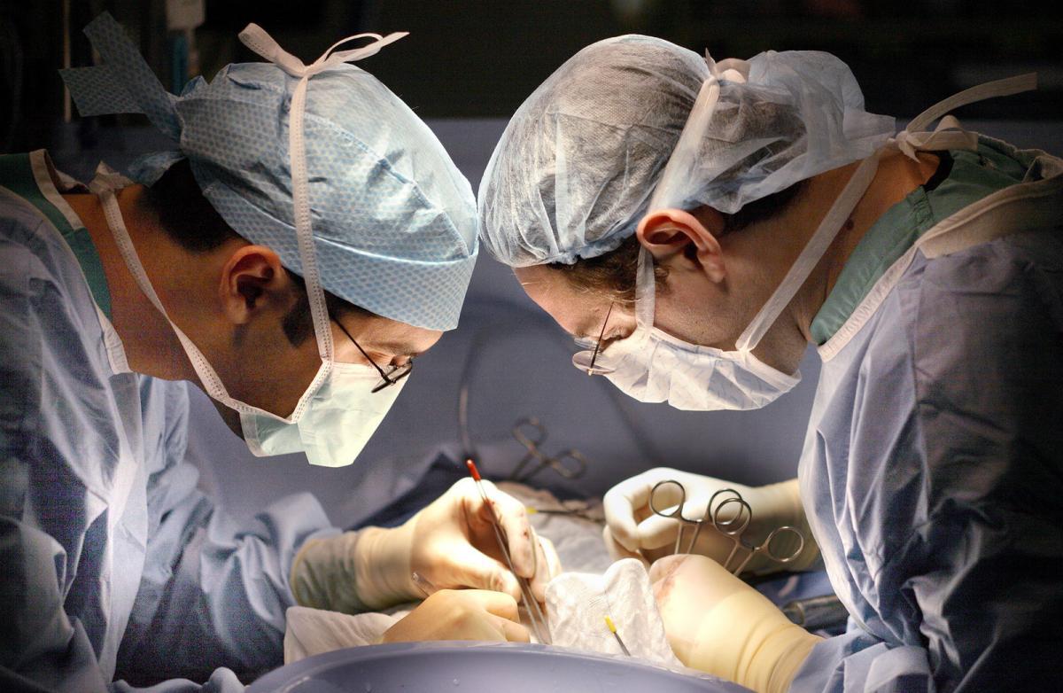 """Трансплантация органов после смерти: """"да"""" или """"нет"""" - ответ в вашемнотариально заверенном заявлении, или в завещании / Facebook"""