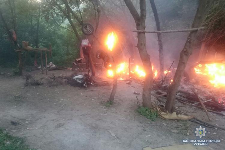 Неизвестные разбили лагерь ромов / НПУ