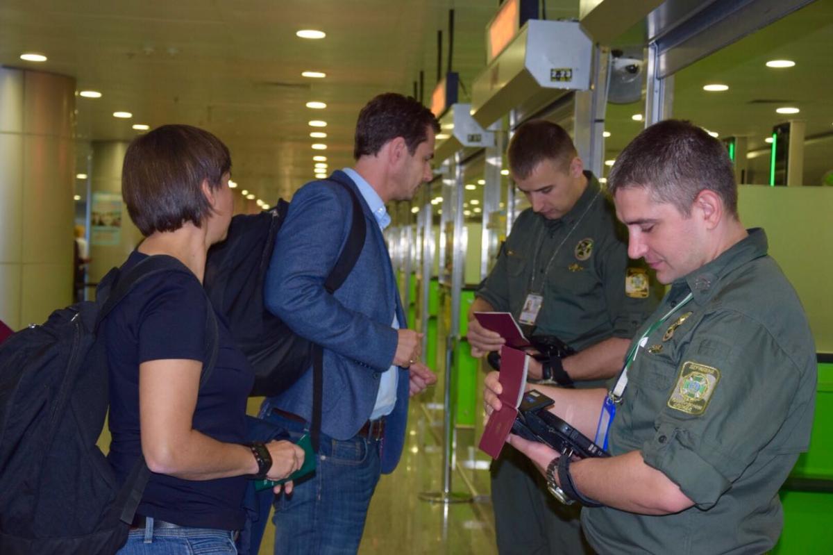 Пограничники подготовились к оформлению гостей в более чем 120 пунктах пропуска / фото dpsu.gov.ua