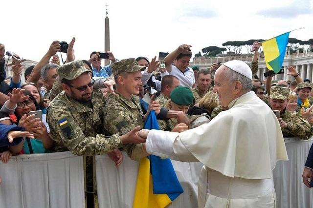 The Ukrainian military personally greeted the Pope / Photo from the Embassy of Ukraine at the Holy See