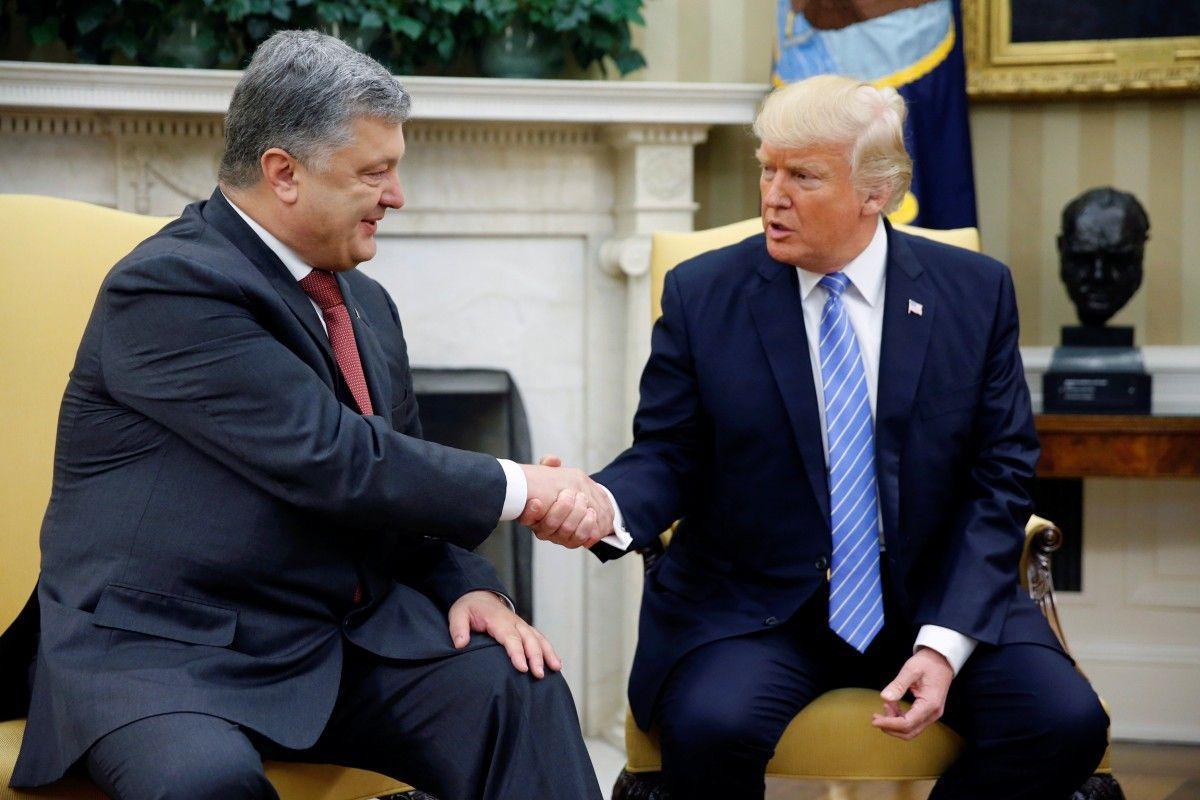 Петр Порошенко и Дональд Трамп / REUTERS