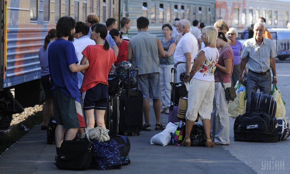 «Укрзализныця» назначила 15 дополнительных поездов к Троице / фото УНИАН