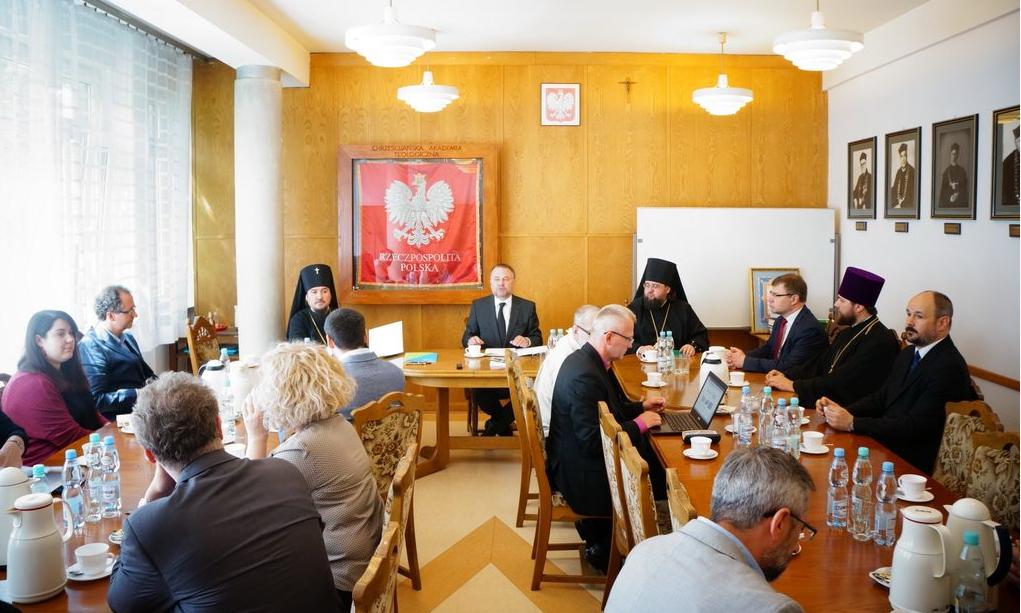 Между КДА и Христианской академией в Варшаве подписано соглашение о сотрудничестве / kdais.kiev.ua