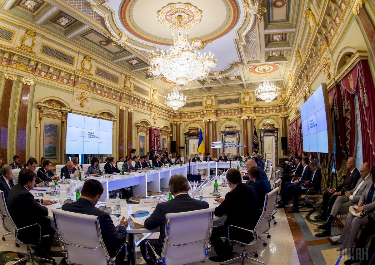 Порошенко: Украина в этом году выплатила более $4 миллиардов долгов / фото УНИАН