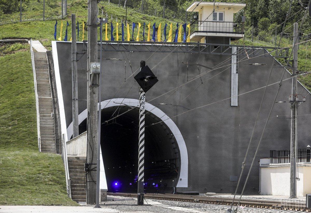 Новий Бескидський тунель / фото УНІАН
