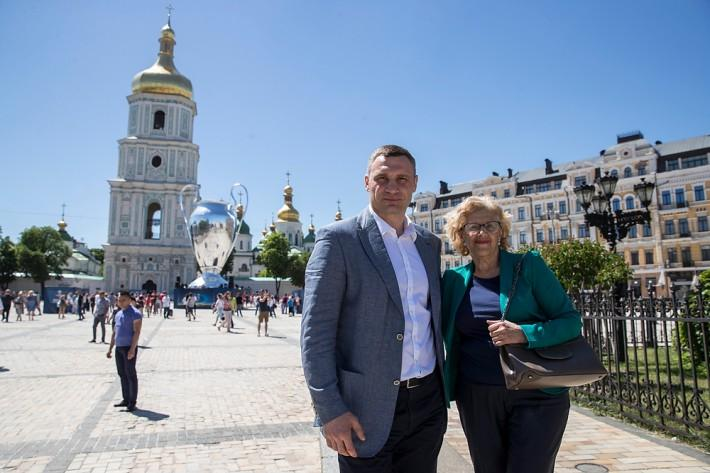 Мануэла Кармена отметила, что как коллега понимает все проблемы мэра города / kiev.klichko.org