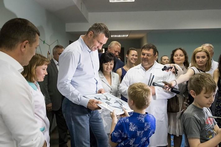 Мер нагадав, що санаторій з 2004 року  передали до системи охорони здоров'я столиці / фото kiev.klichko.org