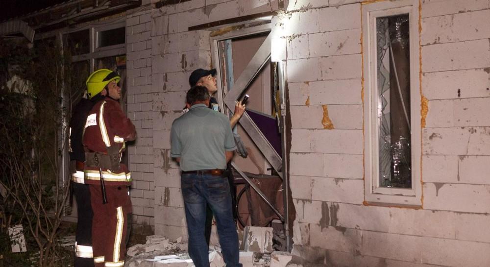 Читайте також У Рівному жителів багатоповерхівки евакуювали через п яного  військового з гранатою. За повідомленням ГУ ДСНС України у  Дніпропетровській ... f81f0ba8f9e67