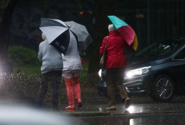 Негода в Одесі: сильний дощ паралізував рух вулицями міста