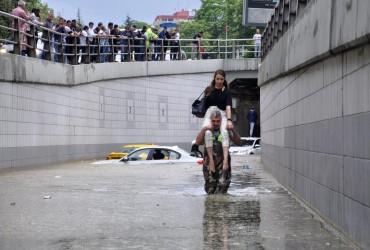 Злива затопила вулиці Анкари