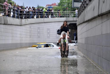Ливень затопил улицы Анкары