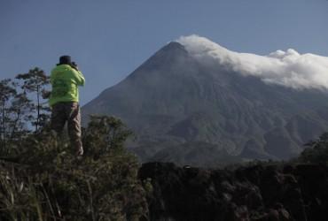 Вулкан Мерапі в Індонезії викинув стовп попелу на 6 тисяч метрів