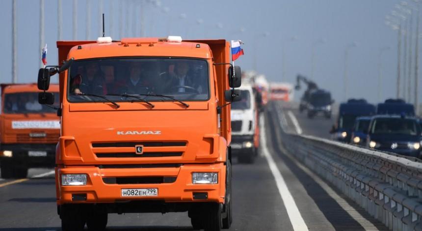 19-километровая петля: экологи и моряки предупредили о катастрофических последствиях строительства Крымского моста (видео)