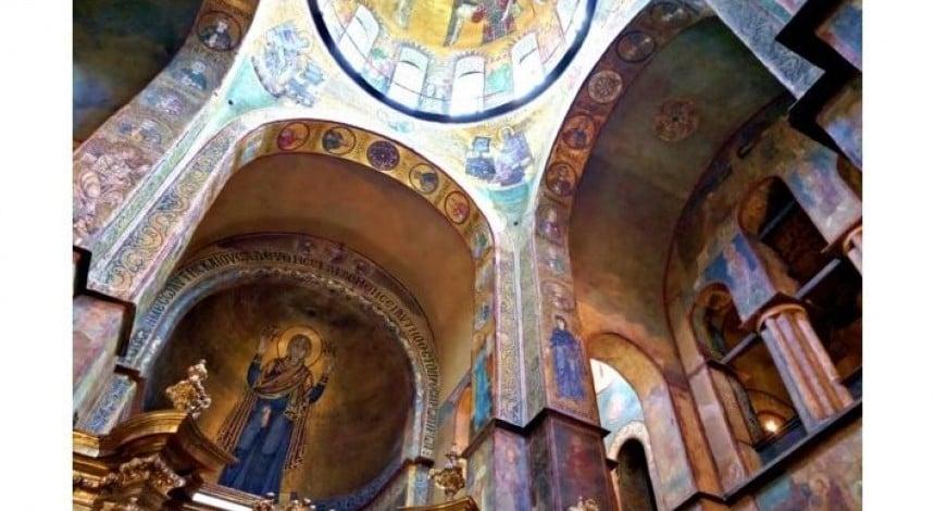 У столичному Софійському соборі відреставрують старовинні фрески та мозаїки