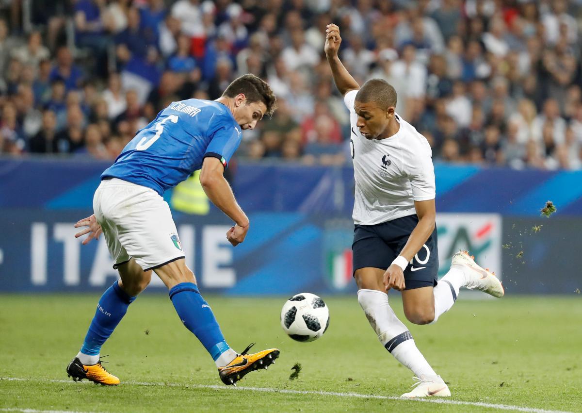 Французи впевнено обіграли італійців напередодні ЧС / Reuters