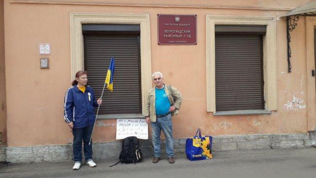 Кожеватова и Мумджи у суда / ОВД-Инфо