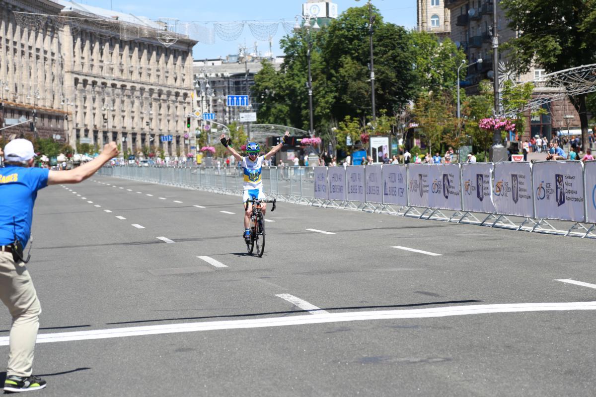 Висоцька виграла сьогоднішню гонку на Майдані / racehorizonpark.com