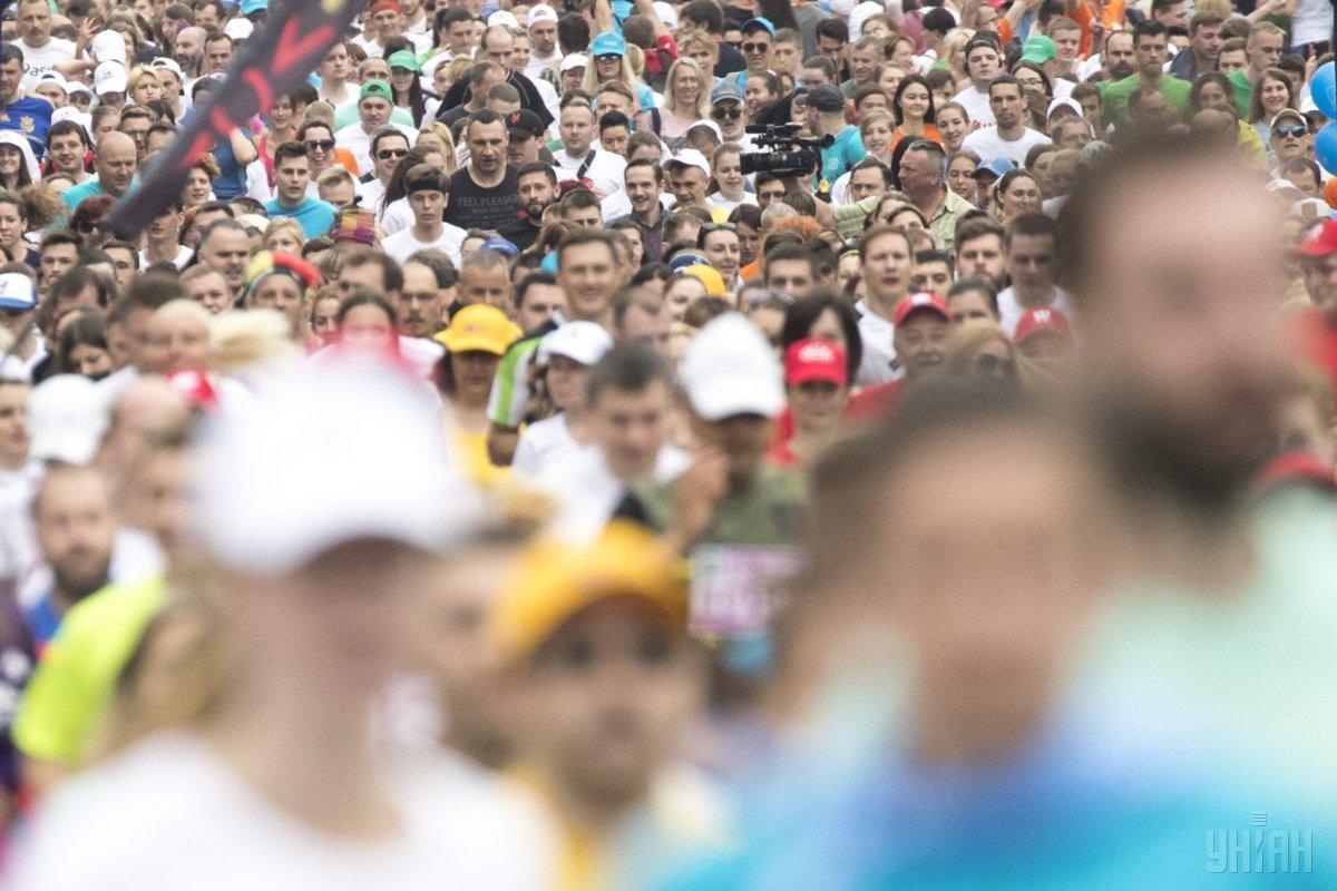 У Києві відбувся 26-й благодійний «Пробіг під каштанами» / фото УНІАН