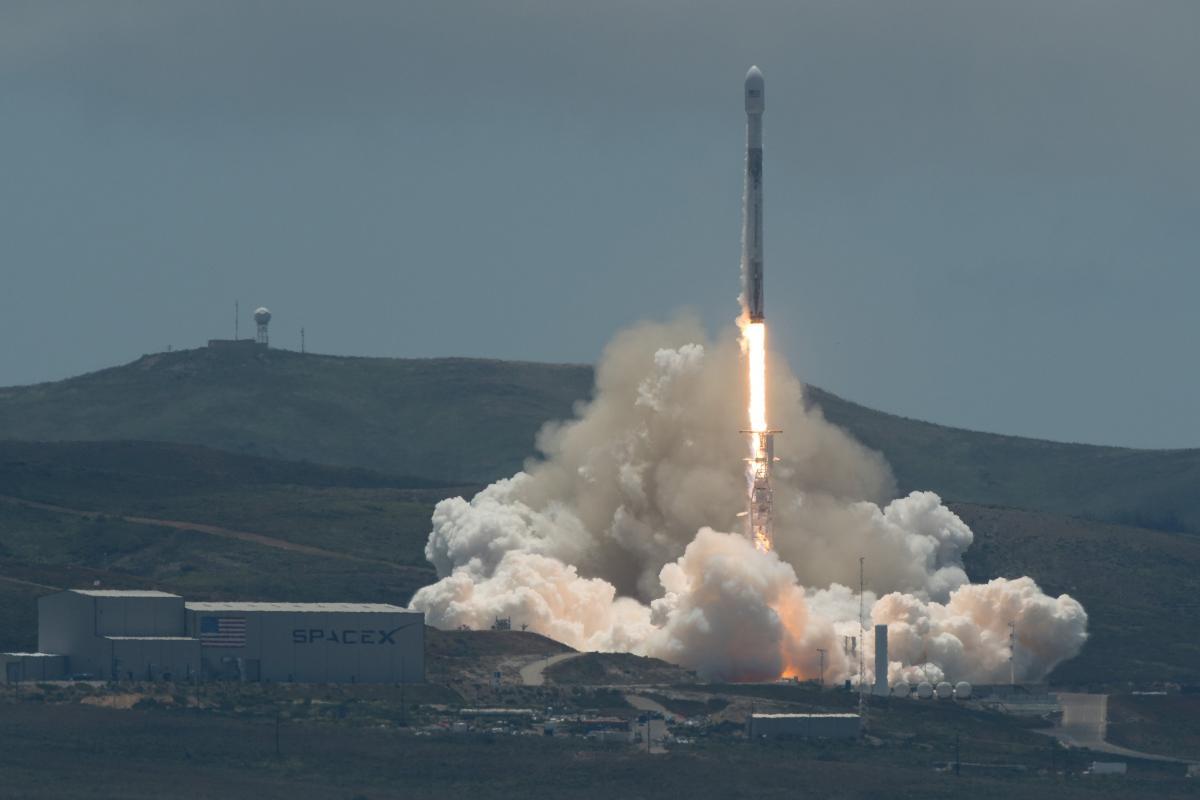 SpaceX провела исторический пуск Falcon 9 / Иллюстрация REUTERS