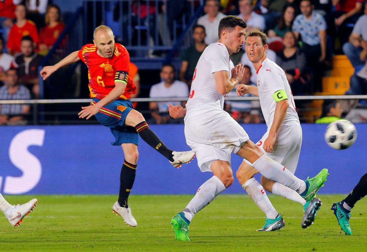 Испания и Швейцария сыграли вничью перед ЧМ-2018 / Reuters