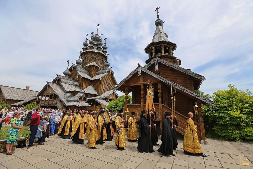 День Всех святых в Святогорье / svlavra.church.ua