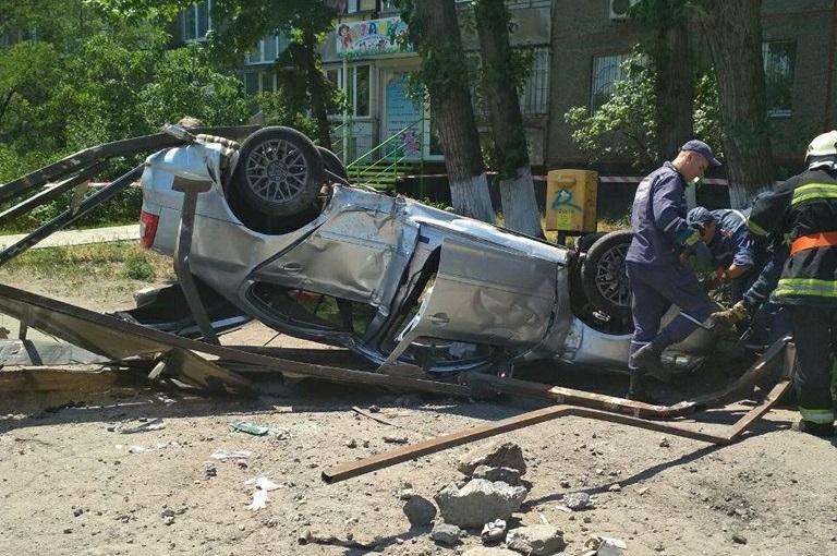 Водитель не справился с управлением / Фото dp.npu.gov.ua