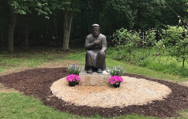 Памятник Серафиму Саровскому / фото из открытых источников