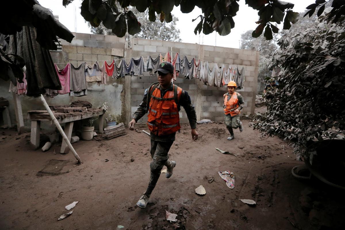 Наслідки виверження вулкана у Гватемалі / REUTERS