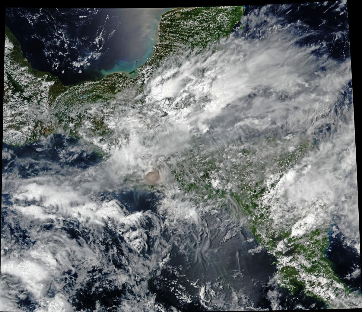 Виверження вулкана Фуего з космосу / earthobservatory.nasa.gov