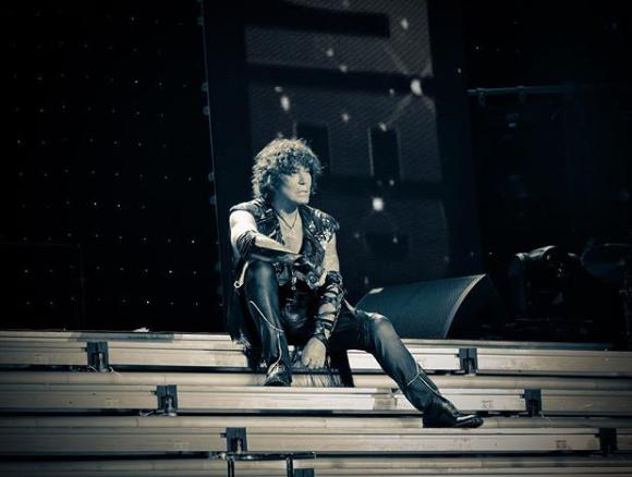 Виконавець сподівається одужати до гала-концерту / фото Валерій Леонтьєв, Instagram