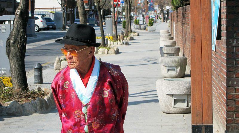 Церква в Південній Кореї допомогла придбати зубні протези для 200 літніх людей / invictory.org