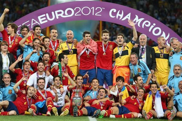 Золотые времена сборной Испании завершились 1 июля 2012 года, в день финала Евро в Киеве / Динамо Киев от Шурика
