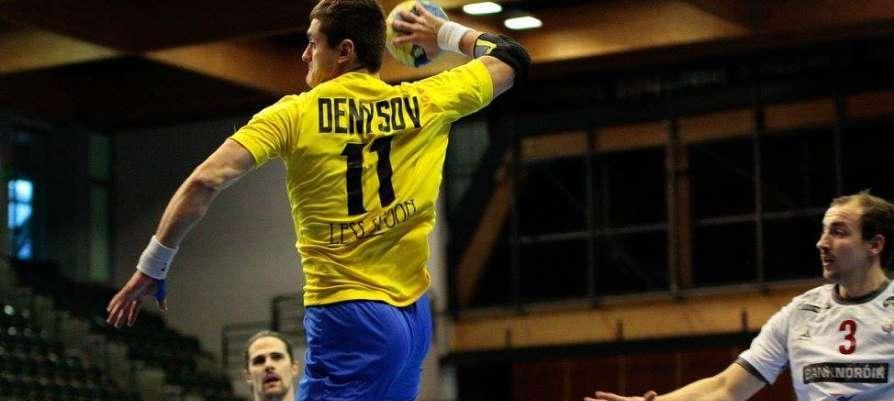 Захар Денисов уверенно провел матч против сборной Латвии / figh.it