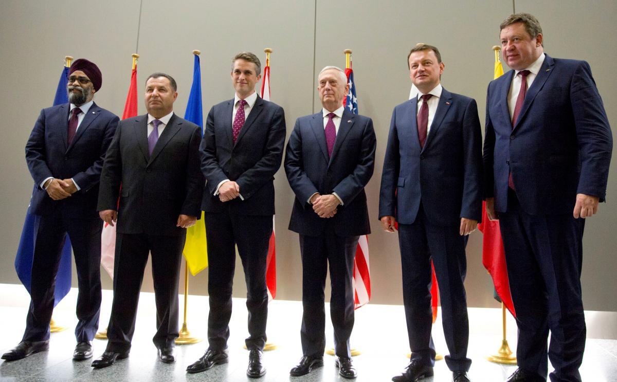 Встреча министров обороны Украины, Великобритании, Канады, Литвы, Польши и США в Брюсселе / REUTERS