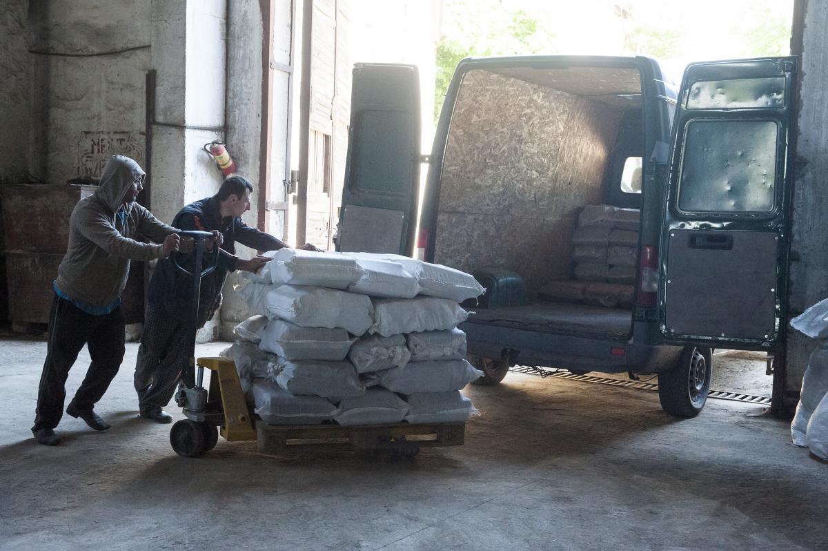 Такого грузовика птицеферме хватает на неделю / Фото EU